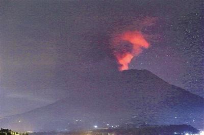 巴厘岛火山再次喷发